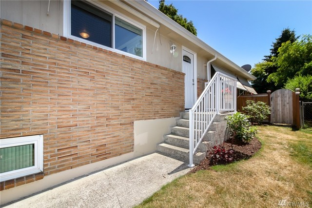 2617 Southwest 109th Street Seattle, WA 98146