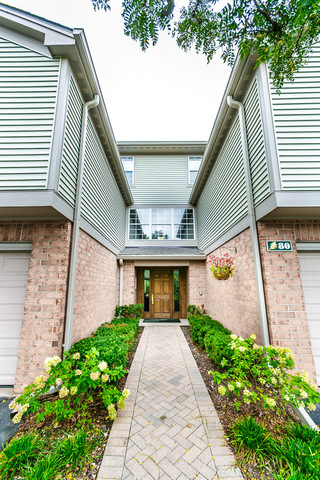 80 Kristin Circle, Unit 4 Schaumburg, IL 60195