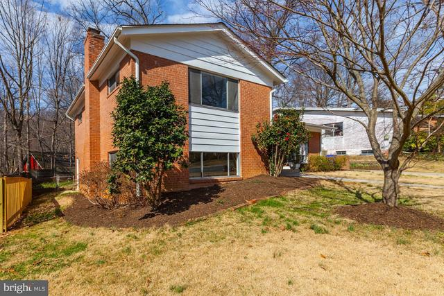 6400 Redwing Road Bethesda, MD 20817