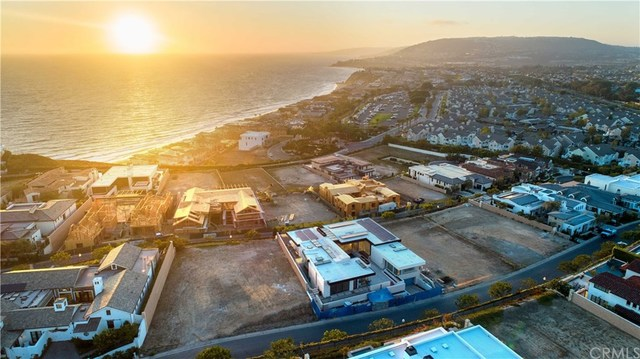 17 Seabreeze Terrace Dana Point, CA 92629