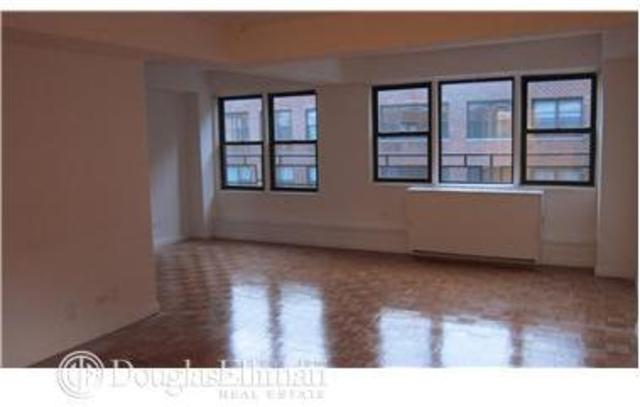 310 East 65th Street, Unit 4G Image #1