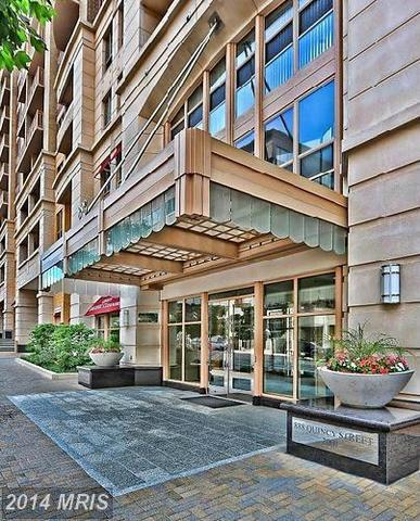 888 Quincy Street North, Unit 1707 Image #1