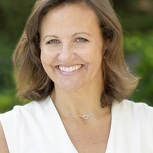 Amy Price,                     Agent in San Francisco - Compass
