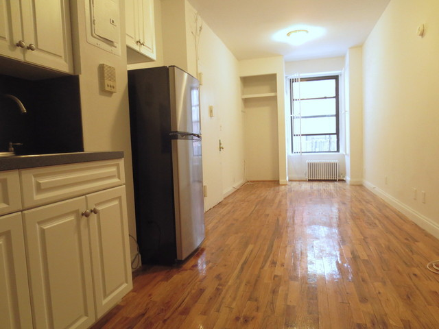 237 West 18th Street, Unit 1FW Image #1