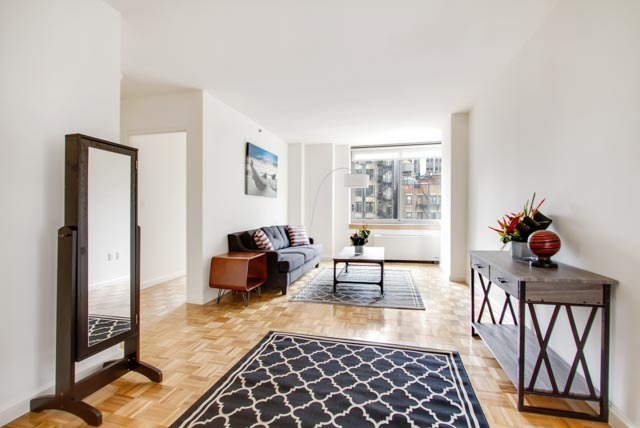 35 West 33rd Street, Unit 9F Image #1