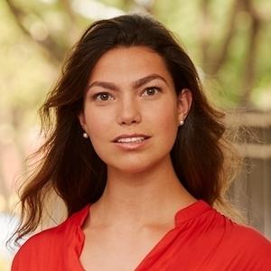 Larissa Petrovic, Agent in NYC - Compass
