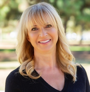 Lynette Bishop, Agent in Los Angeles - Compass