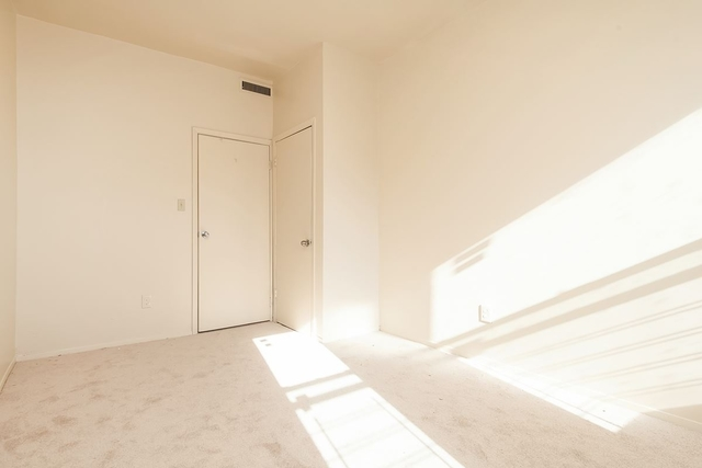 200 Bay 22nd Street, Unit B2 Image #1