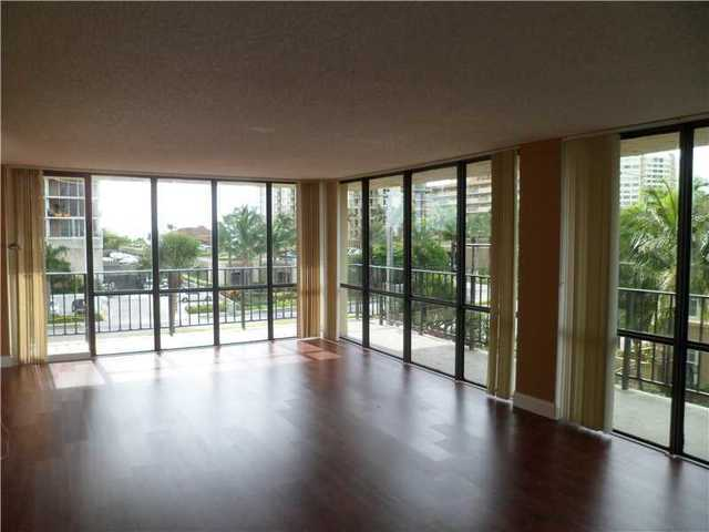 2049 South Ocean Drive, Unit 309 Image #1