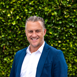 Kyle Forsyth,                       Agent in Santa Barbara, Montecito, & Central Coast - Compass