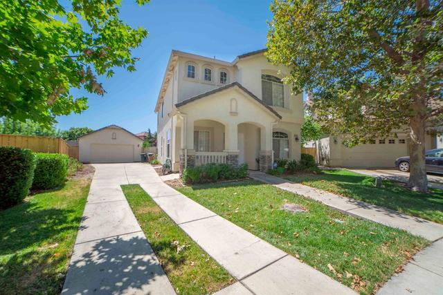 9495 East Canmoor Circle Elk Grove, CA 95758