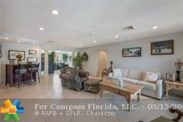 2310 Northeast 47th Street Lighthouse Point, FL 33064