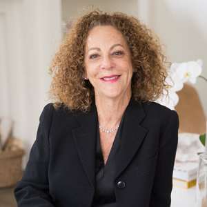 Dee Cohen,                       Agent in Greenwich, CT - Compass