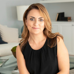 Anita Stephan,                     Agent in Los Angeles - Compass