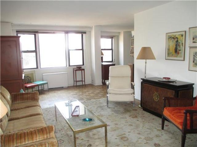 201 East 21st Street, Unit 11K Image #1