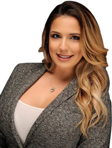 Alejandra Dominguez, Agent in Miami - Compass