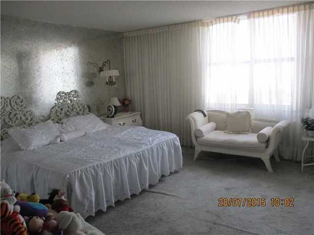 1865 South Ocean Drive, Unit 7J Image #1