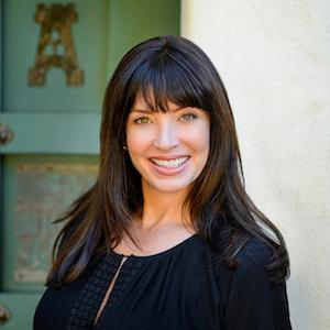 Alicia Sanguinetti,                     Agent in San Francisco - Compass