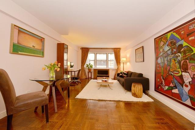 321 East 45th Street, Unit 8D Image #1