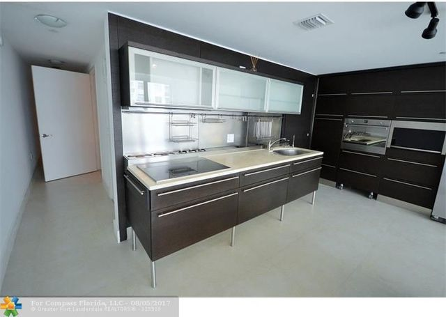 6000 Collins Avenue, Unit 521 Image #1