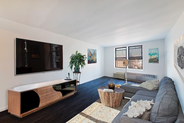 345 Webster Avenue, Unit 6O Image #1