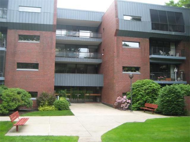 85 Grove Street, Unit 209 Image #1