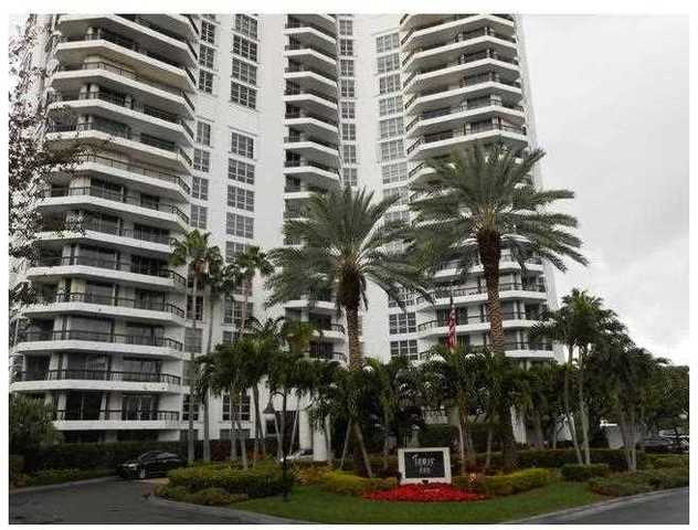 3500 Mystic Pointe Drive, Unit 2406 Image #1