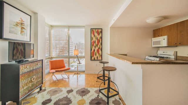 400 West 37th Street, Unit 9K Image #1