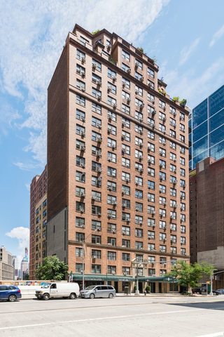 433 West 34th Street, Unit 12H Manhattan, NY 10001