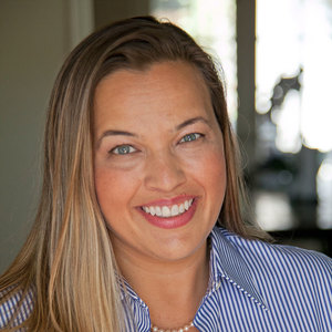 Monique Alvarez,                       Agent in Los Angeles - Compass