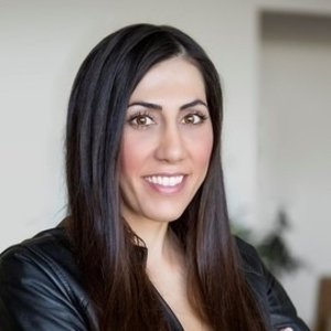 Neveen Farah,                       Agent in Los Angeles - Compass