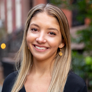 Courtney Oarr, Agent in NYC - Compass