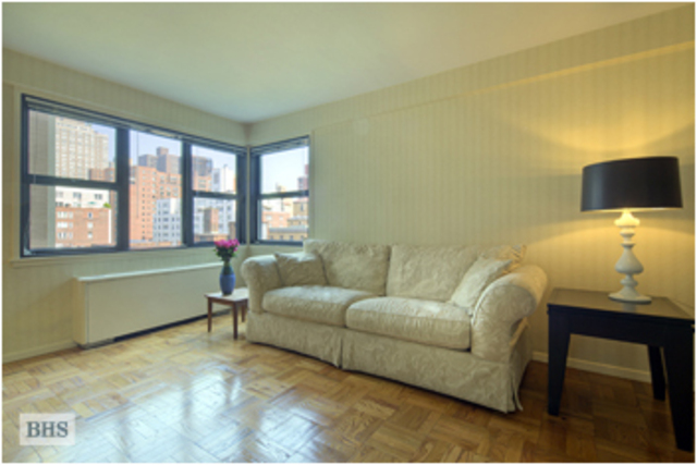 345 East 69th Street, Unit 9A Image #1