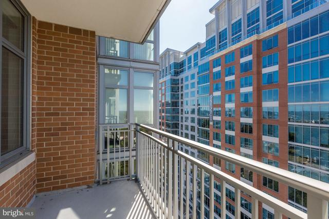8220 Crestwood Heights Drive, Unit 1306 McLean, VA 22102