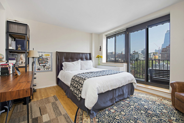 445 West 19th Street, Unit PHB Image #1