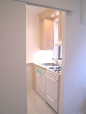 222 East 35th Street, Unit 5G Image #1
