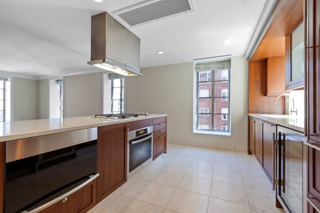 140 East 63rd Street, Unit 10A Image #1