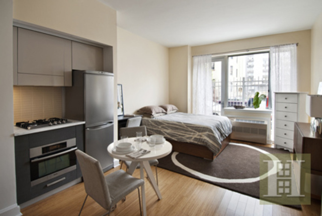 505 West 47th Street, Unit 1EN Image #1