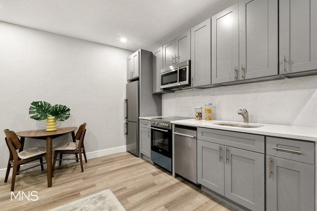5001 10th Avenue, Unit 5G Brooklyn, NY 11219