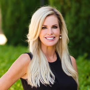 Holly Larsen,                       Agent in Los Angeles - Compass