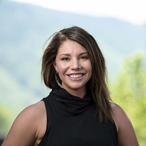 Jacqui  Ball,                     Agent in Aspen - Compass