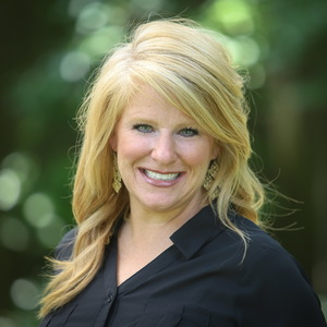 Suzanne Burk, Agent in Dallas-Fort Worth - Compass