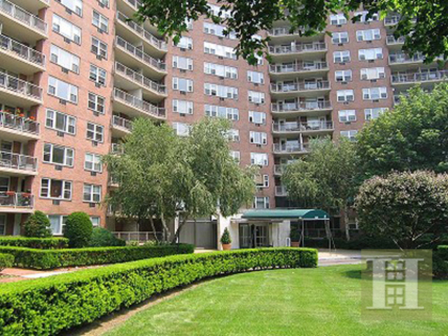 5800 Arlington Avenue, Unit 22J Image #1