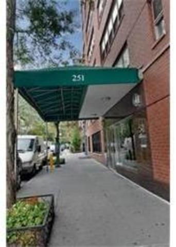 251 East 32nd Street, Unit 8G Image #1