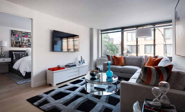 130 West 15th Street, Unit 14M Image #1