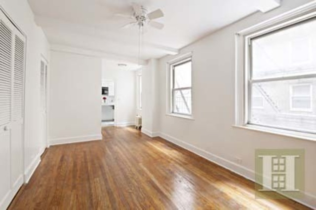 321 East 43rd Street, Unit 415 Image #1
