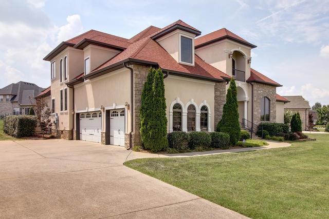744 Stone Mill Circle Murfreesboro, TN 37130
