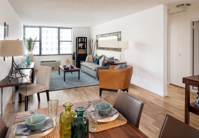 375 South End Avenue, Unit 18D Image #1