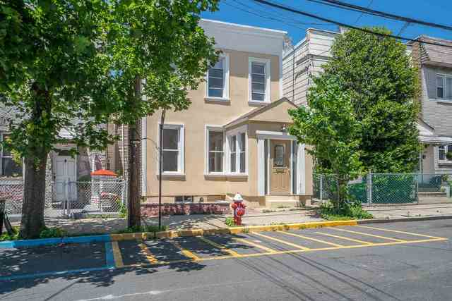 6805 Bergenwood Avenue, Unit 2 North Bergen, NJ 07047