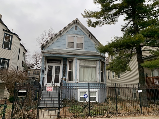 2431 North Rockwell Street Chicago, IL 60647